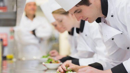 Qui peut devenir chef cuisinier ?