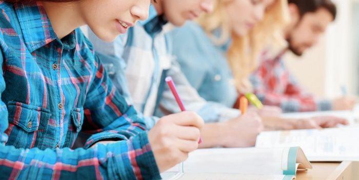 Quelles sont les formalités d'inscription aux examens ?